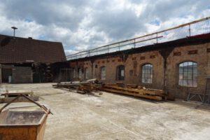Ohne Deckel – Das alte Dach ist entfernt